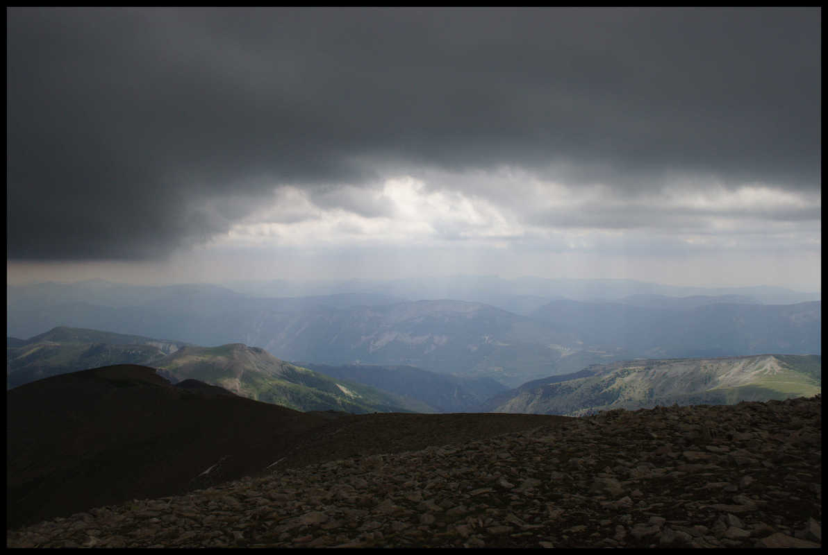 La vallée d'où je viens, et l'orage qui se pointe